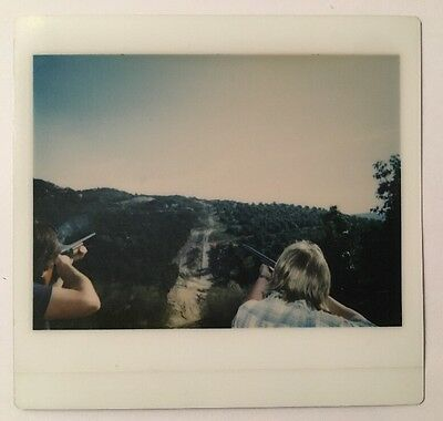 PHOTO ANCIENNE - VINTAGE SNAPSHOT -Polaroïd - Gun - Paysage - Unusual