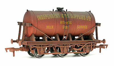 Dapol 4F-031-012 Tankwagen 6-wheel Milk tank Independent Milk Suppliers Spur 00