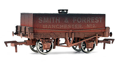 Dapol 4F-032-008 Güterwagen Tankwagen rectangular tank Smith & Forest Spur 00