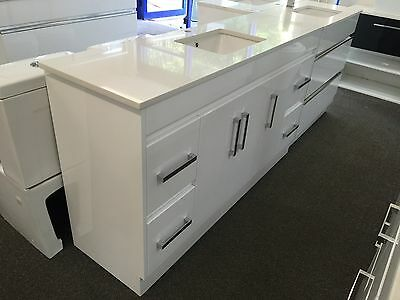 1500mm 2PAC MDF gloss white bathroom vanity with quartz stone top double basin