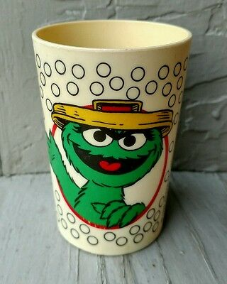 1989 Muppets Inc Oscar the Grouch Plastic Child's Cup - Peter Pan Ind.