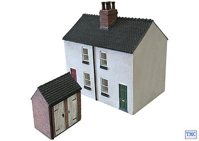 44-125X/44-046X Scenecraft OO Gauge Rendered Workers Cottages & Brick Outhouse