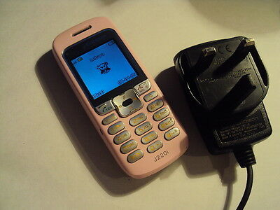 SIMPLE  Sony Ericsson J220I WORKING MOBILE PHONE ON VODAFONE/LEBARA + CHARGER