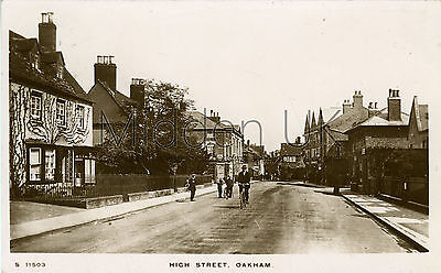 RA570 Early RP POSTCARD High Street - Oakham (near Uppingham) - Posted 1913