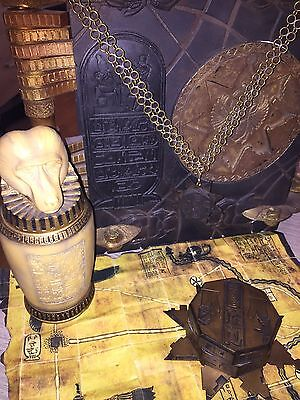 The Mummy/ Mummy Returns props, Functionnal Hamunaptra Key / Book of the Dead...