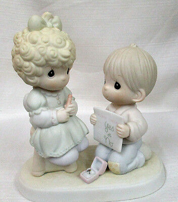 1988 Precious Moments WISHING YOU A PERFECT CHOICE Engagement Figurine 520845