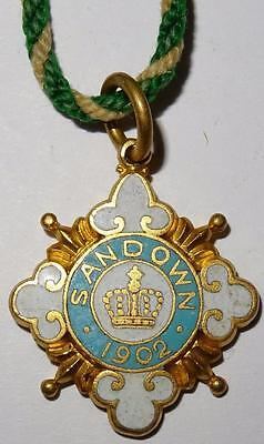 HORSE RACING SURREY SANDOWN CLUB ENAMELLED PASS 1902 NO.1898 24x27mm with cord
