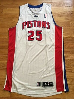 Kyle Singler Detroit Pistons game issue / worn white home jersey, size 2XL+2