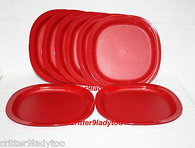 NEW Tupperware Lot of 8 Microwave Dinner/Luncheon Plates in Christmas Red