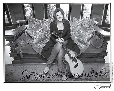 ROSANNE CASH HAND SIGNED 8x10 PHOTO+COA    GORGEOUS COUNTRY SINGER    TO DAVE