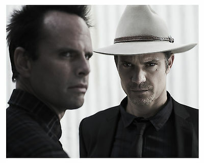 ---JUSTIFIED---TIMOTHY OLYPHANT---Glossy 8x10 Photo-(a)