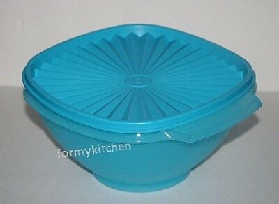 Tupperware Servalier Salad  bowl 8 cups Blue  New!!!