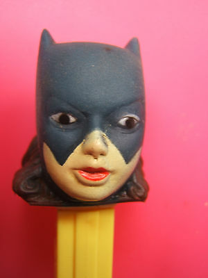 pez BATGIRL  USA PATENT SUR LE PIED 3.845.882 MADE IN USA / softhead superheros