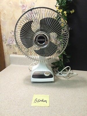 "Vintage Panasonic F-9200A 9"" Oscillating Table/Desk Fan, 2-Speed"