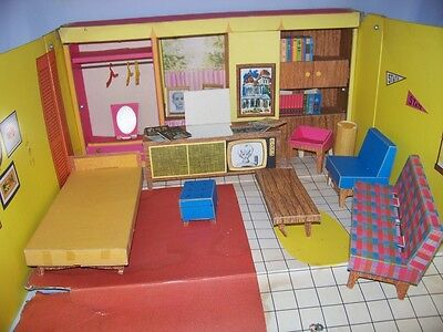 1962  Mattel Barbie Dream House Furniture Stereo Albums Photos Couch Accessories