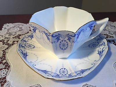 SHELLEY Queen Anne Cup And saucer 'Blue Medallion' 11612