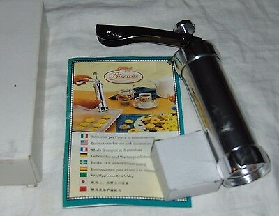 NEW in Box SHULE Biscuit Cookie Press with 20 Discs