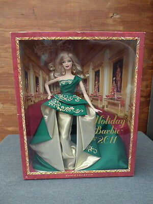 2011 Holiday Barbie Doll Barbie Collector T7914