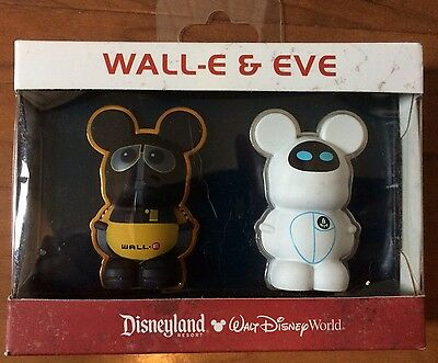 Disney Store 2-Pin Boxed Set Collection Vinylmation 3D Wall-E Eve Retro NEW