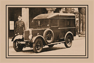 PHOTO TAKEN FROM 1930's IMAGE OF EXETERS FIRST POLICE VAN CIRCA 1933