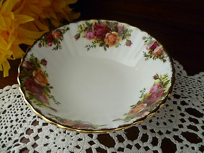 1St Quality  Old Country Roses  Royal Albert England 1962 Breakfast Bowl