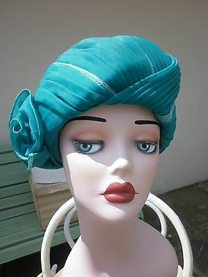 Vintage Bright Green Hat Turban Style With Double Flower - Bermona Model - 1980