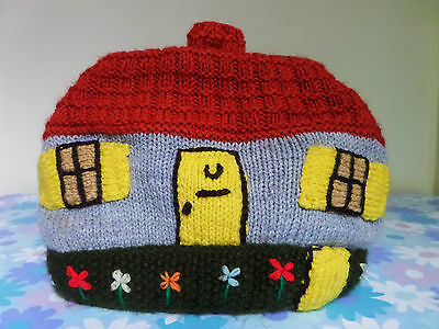 Vintage Retro 60s 70s Shabby Chic Knitted Kitsch House Cottage Tea Cosy