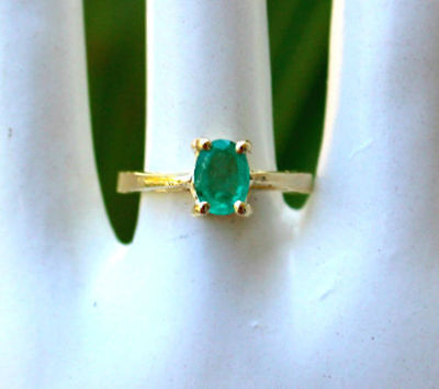 Vintage Antique 14K Yellow Gold Genuine Columbian Green Emerald Solitaire Ring