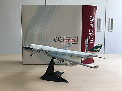 Cathay Pacific Boeing 747-400-B-HUI 1/500