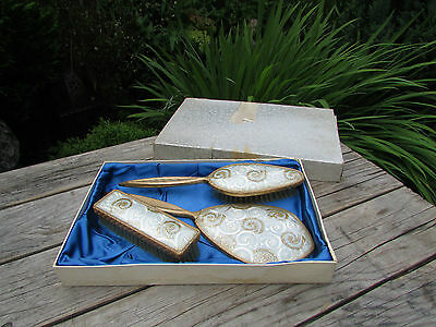 Pretty Vintage  Dressing Table Grooming Set..excellent  Condition