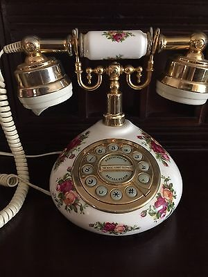 Royal Albert Old Country Roses Telephone.