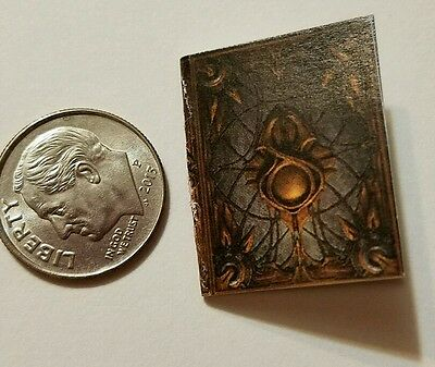 Miniature dollhouse Halloween witch spell book Barbie 1/12 Scale   Haunted Na