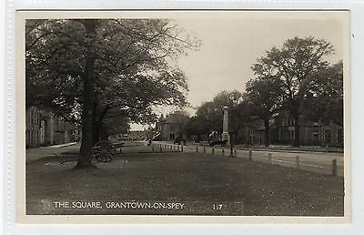 THE SQUARE, GRANTOWN-ON-SPEY: Morayshire postcard (C23037)