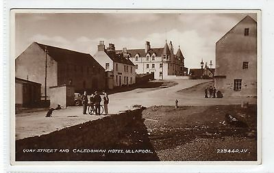 QUAY STREET AND CALEDONIAN HOTEL, ULLAPOOL: Ross-shire postcard (C23744)