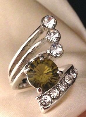 Vintage Cocktail Ring Peridot Glass Crystal Accents Costume Classic Retro 6