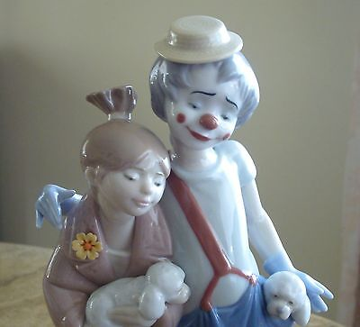 LLADRO PALS FOREVER SOCIETY FIGURINE  with Original Box