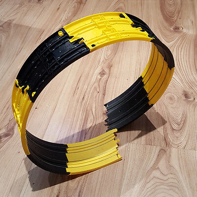 Micro Scalextric Track - Loop The Loop - 1:64 Scale - Black & Yellow