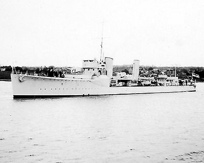Royal Canadian Navy Destroyer Hmcs Champlain Photo  With Stats/history Sheet