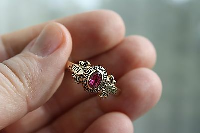 GORGEOUS!10 K YELLOW GOLD HOPKINSVILLE  2001 RUBY CLASS RING  . Sz.9.5.3.3GRAMS