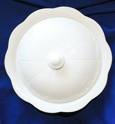 J & G Meakin White Round Sterling Colonial Covered Vegetable Bowl~Ironstone