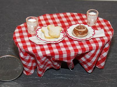 Dollhouse Miniature Bistro Coffee Table 1:12 one inch scale H152 Dollys Gallery