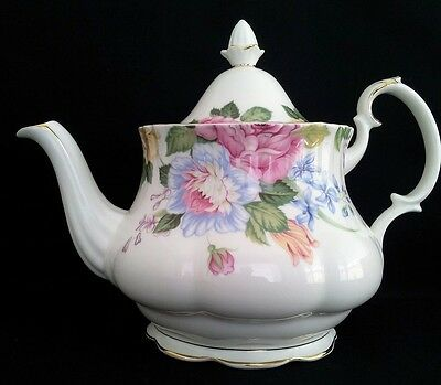 "Royal Albert 8 Cup Teapot 1St Quality ""beatrice"" C1994-97"