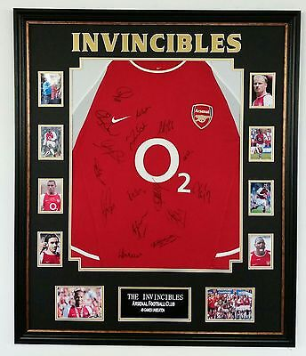 *** Rare INVINCIBLES of Arsenal Signed Shirt Autograph Display ***