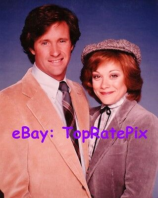 DONNA PESCOW with ROBERT HAYS  -  Angie  -  8x10 Photo  #2
