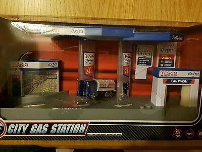 Tesco city gas / petrol Station with light & sound - new in box playset