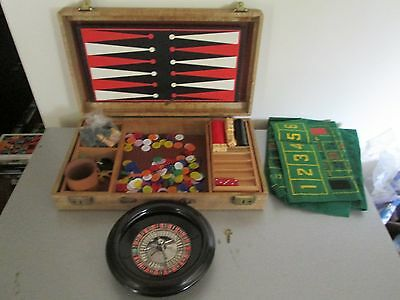 Vintage Gaming Gambling Set 50's With Case and Key