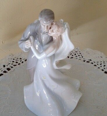 "VALENCIA BRIDE & GROOM FIGURINE Cake Topper , 6""-Porcelain"