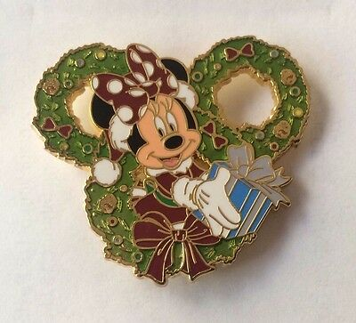 Disney Pin - MINNIE MOUSE 2014 Christmas - Wreath Series LR Very Cute