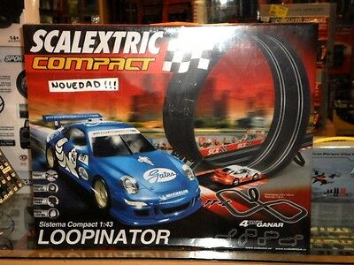 Circuito Compact Loopinator + 2 Coches Incluidos Scalextric 1:43