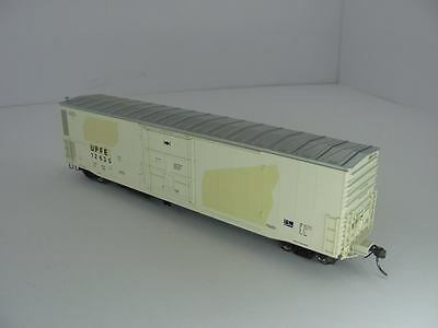 Athearn RTR HO 57' Mechanical Reefer Union Pacific Fruit Express #12365